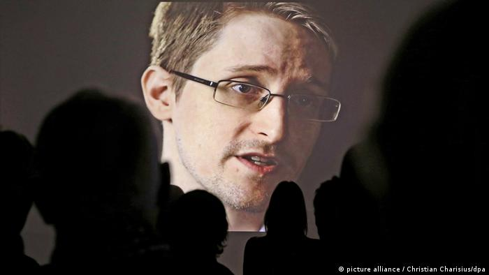 Edward Snowden (picture alliance / Christian Charisius/dpa)