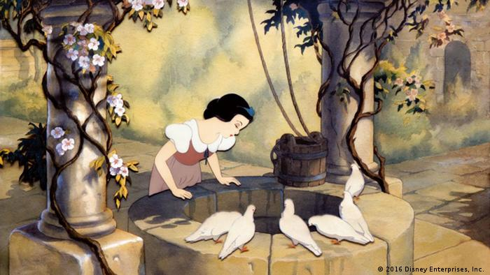 Walt Disney's Snow White (2016 Disney Enterprises, Inc. )