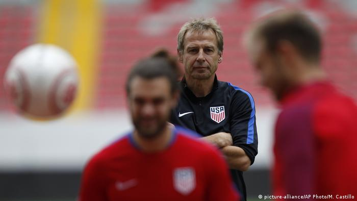 Jürgen Klinsmann Trainer USA (picture-alliance/AP Photo/M. Castillo)