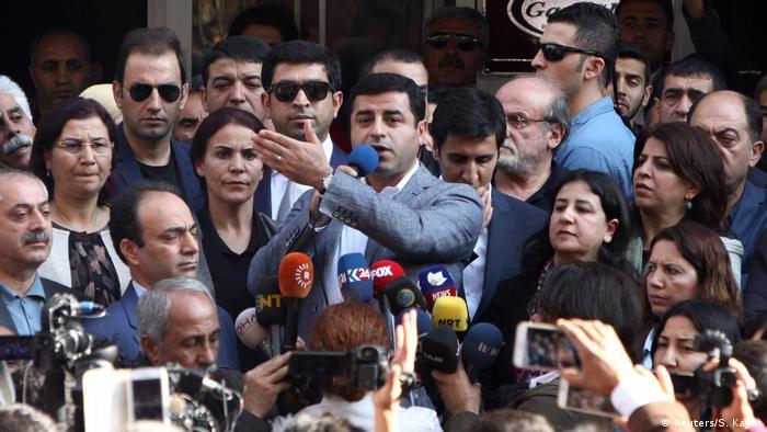 HDP'nin eski eş genel başkanı Selahattin Demirtaş - Diyarbakır, 27.10.2016
