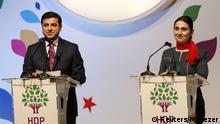 HDP-Führer Demirtas und Yüksekdag bei einer Pressekonferenz im April 2016
