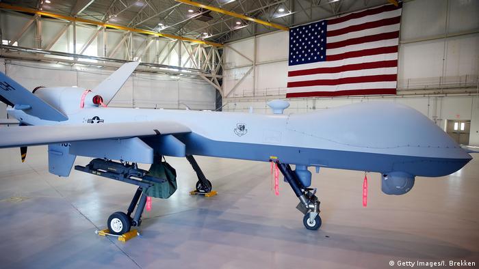 USA Drohne in Hangar