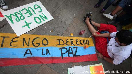 Kolumbien Friedensprozess Marsch fü den frieden in Medellin (pictue alliance/dpa/L.-E. Noriega)