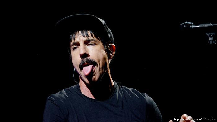 Deutschland Anthony Kiedis von Red Hot Chili Peppers in München (picture-alliance/J. Niering)