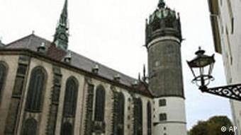 Die Schlosskirche in Wittenberg, Sachsen-Anhalt - Luther nagelte die Thesen nicht an die Türe (Foto: AP/Eckehard Schulz)
