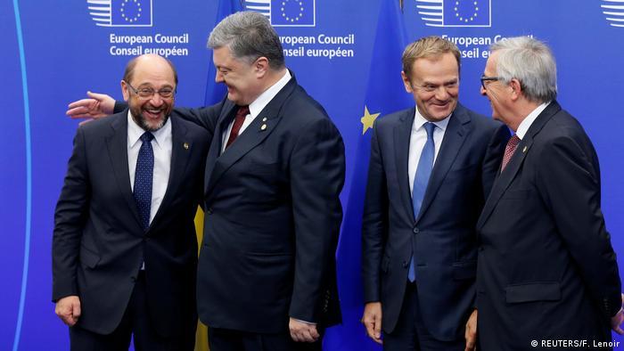 Belgien Ukraine Gipfel in Brüssel Schultz, Poroschenko, Tusk und Juncker (REUTERS/F. Lenoir)