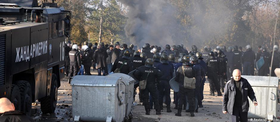 Vinte e nove policiais e 20 refugiados ficaram feridos nos distúrbios em Harmanli