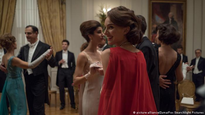 Film still Jackie - Natalie Portman (picture-alliance/Zuma/Fox Searchlight Pictures)