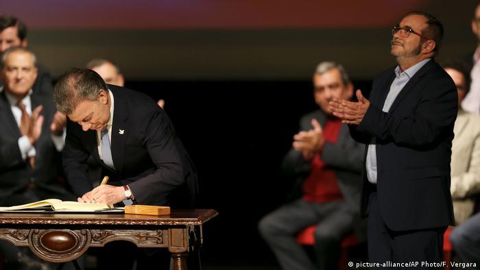 Firma del Acuerdo de Paz vigente en Bogotá el 24 de noviembre de 2019.