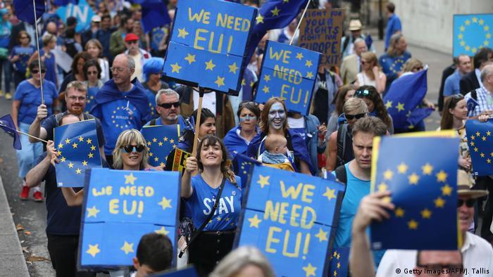 El Gobierno británico cedió a petición laborista de publicar una hoja de ruta sobre el brexit antes de iniciar negociaciones con Bruselas, aunque no dijo qué tan dellatado va es ser el plan publicado. 07.12.2016