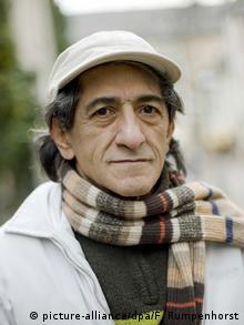 فرج سرکوهی نویسنده، روزنامهنگار و منتقد هنری