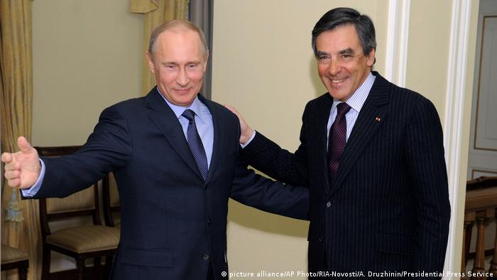 Frankreich Russland Vladimir Putin und Francois Fillon (picture alliance/AP Photo/RIA-Novosti/A. Druzhinin/Presidential Press Service)