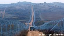 Mazedonien Stacheldraht an der Grenze zu Griechenland bei Gevgelija