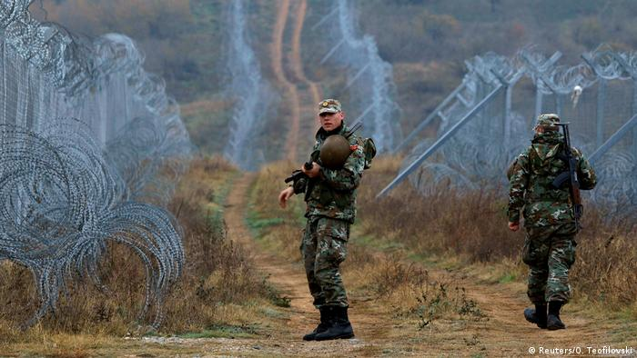 Mazedonien Stacheldraht an der Grenze zu Griechenland bei Gevgelija (Reuters/O. Teofilovski)