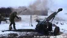 DONETSK REGION, UKRAINE. FEBRUARY 10, 2015. Military soldiers of the Donetsk People s Republic (DPR), fighting near Debaltseve, Donetsk region. Nikolai Muravyev/TASS PUBLICATIONxINxGERxAUTxONLY RE15B7FA Donetsk Region Ukraine February 10 2015 Military Soldiers of The Donetsk Celebrities S Republic DPR Fighting Near Donetsk Region Nikolai TASS PUBLICATIONxINxGERxAUTxONLY RE15B7FA