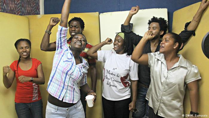 Pandemia também afetou a gravação das radionovelas da DW em Maputo
