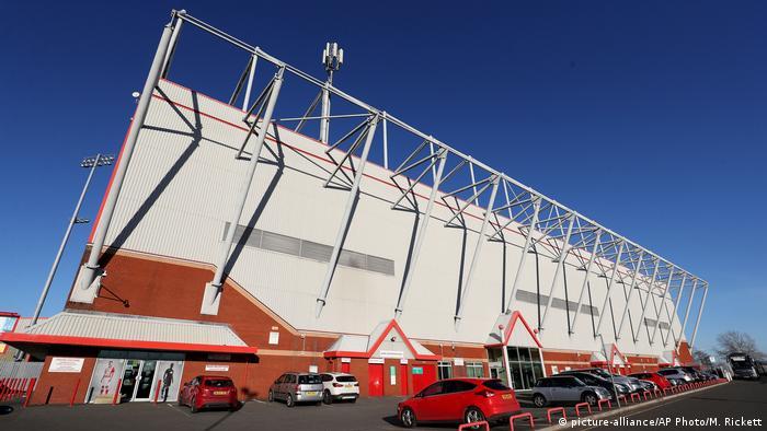 England Crewe Alexandra Stadion (picture-alliance/AP Photo/M. Rickett)