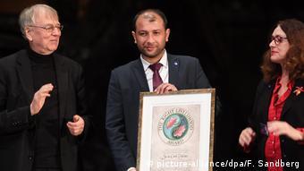 Stockholm Right Livelihood Award for White Helmets (picture-alliance/dpa/F. Sandberg)