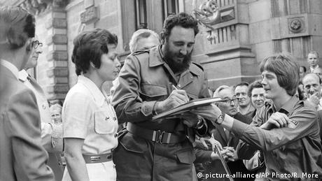 Fidel Castro in Berlin (picture-alliance/AP Photo/R. More)
