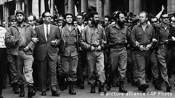 Fidel Castro, Osvaldo Dortico, Ernesto Che Guevara, Augusto Martinez-Sanchez, Antonio Nunez-Jimenez, William Morgan, Eloy Guttierez Menoyo (picture alliance / AP Photo)