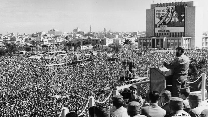 Kuba Fidel Castro Rede auf dem Platz der Revolution 1965 (Getty Images/Keystone)