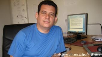 Kubanischer Autor Amir Valle (picture-alliance/dpa/K. Blume)