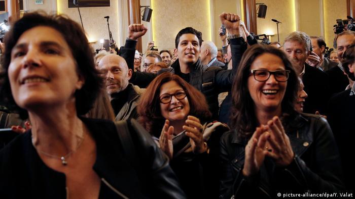 Frankreich neuer Präsidentschaftskandidat der Konservative Francois Fillon spricht nach seiner Wahl (picture-alliance/dpa/Y. Valat)