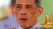 ARCHIV 2015 +++ FILE Thai Crown Prince Maha Vajiralongkorn presides over the Royal Ploughing Ceremony at the Royal Ground, Sanam Luang near the Grand Palace in Bangkok, Thailand, 13 May 2015. (zu dpa «Thailands Kronprinz wird Dienstag König - oder auch nicht» vom 28.11.2016) Foto: Rungroj Yongrit/EPA/dpa +++(c) dpa - Bildfunk+++
