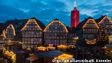 BdT Größte Weihnachtskerze der Welt leuchtet wieder