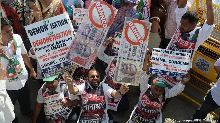 Indien Mumbai Proteste gegen Abschaffung von Geldscheinen