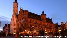 Rothenburg, Weihnachtsmarkt, Altstadt, Rathaus mit Turm