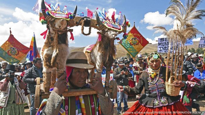 Bolivien Präsident Morales Zeremonie für Regen (picture-alliance/dpa/EPA/BOLIVIAN INFORMATION AGENCY)
