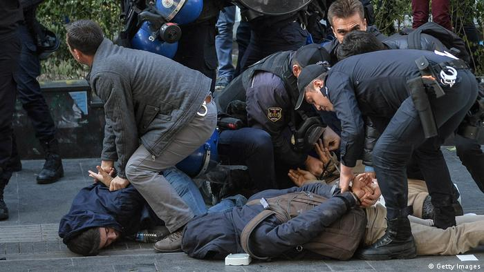 Turkish police arrest protestors during a anti-government proteston November (Getty Images)