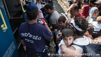 Flüchtlinge Grenzübergang Röszke