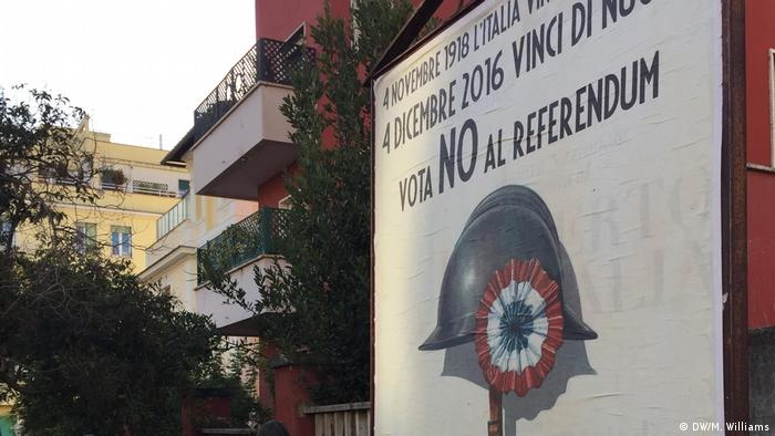 Italien Wahlplakat vor dem Referendum in Rom (DW/M. Williams)