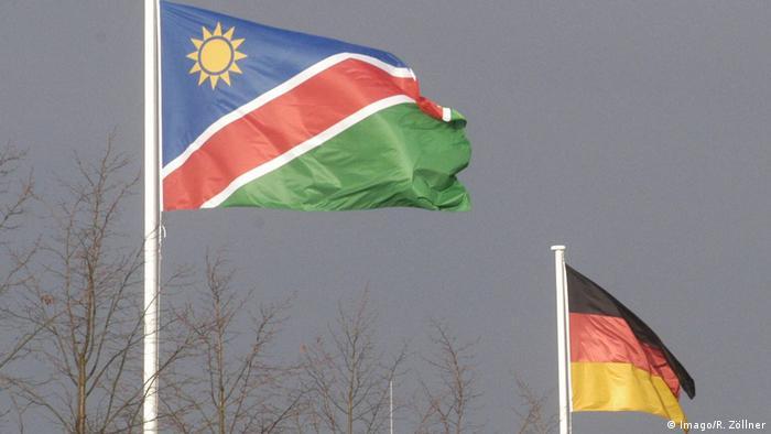 Symbolbild Flaggen Deutschland Namibia