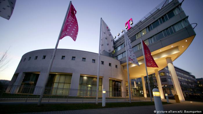 Kantor pusat Deutsche Telekom (picture-alliance/U. Baumgarten)