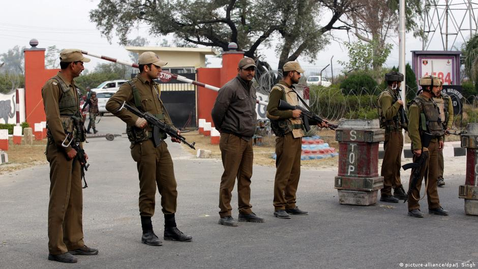Pakistan vows to increase pressure on India over Kashmir