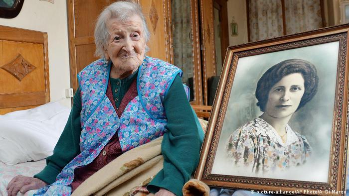 Italien Verbania Emma Morano älteste Frau der Welt feiert 117. Geburtstag (picture-alliance/AP Photo/A. Di Marco)
