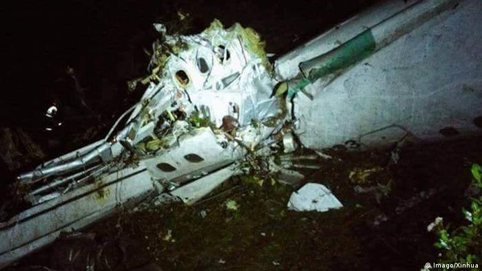 5a89d29aa Destroços do avião que levava a Chapecoense e caiu na Colômbia