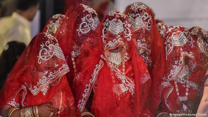 Indien Bombay Massenhochzeit von Muslimen (Imago/Hindustan Times)