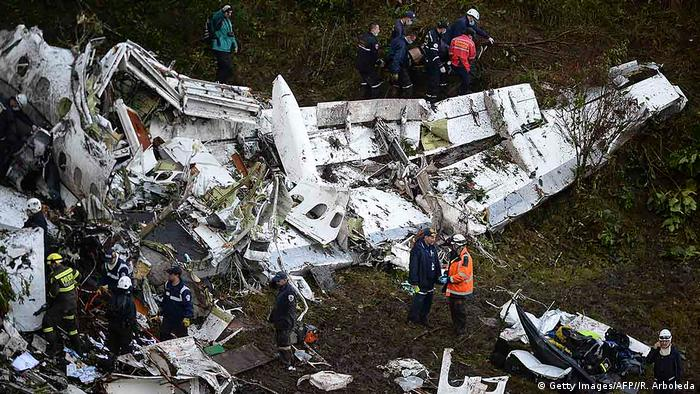 Kolumbien Flugzeug Absturzstelle (Getty Images/AFP//R. Arboleda)