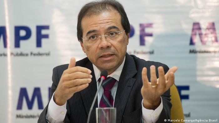 """""""Sem vigilância da sociedade, lei não basta para combater corrupção"""""""