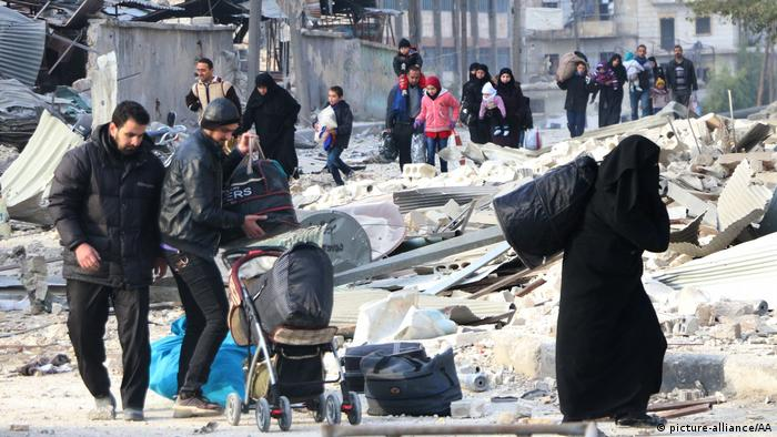 Aleppo Syrien flüchtlinge (picture-alliance/AA)