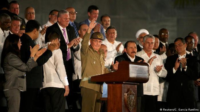 Kuba Raul Castro und anderen Regierungschefs beim Trauerfeier in Havanna (Reuters/C. Garcia Rawlins)