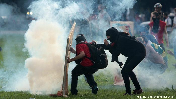 Brasilien Protesten gegen Begrenzung der Staatsausgaben (picture-alliance /dpa/J. Alves)