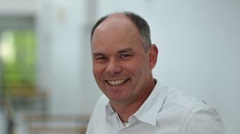 Holger Hank Kommentarbild App PROVISORISCH