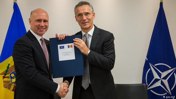 Brüssel NATO-Generalsekräter Jens Stoltenberg & Pavel Filip, Premierminister Republik Moldau (gov.md)