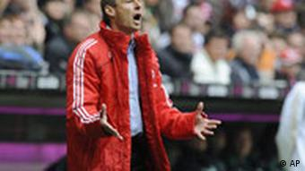 Munich's head coach Juergen Klinsmann reacts during the German first division Bundesliga soccer match between Bayern Munich and Werder Bremen