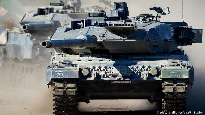 Kampfpanzer Leopard (picture-alliance/dpa/P. Steffen)